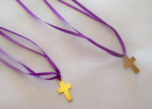 bead  cross necklace (1)