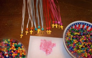 bead  cross necklace (3)